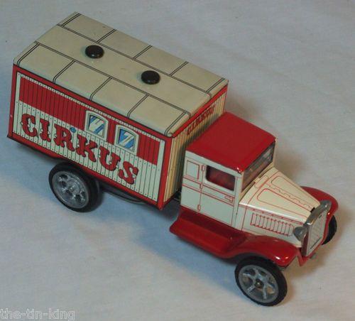 SUPERB TIN TOY CLOCKWORK WIND-UP CIRCUS TRUCK LORRY VAN