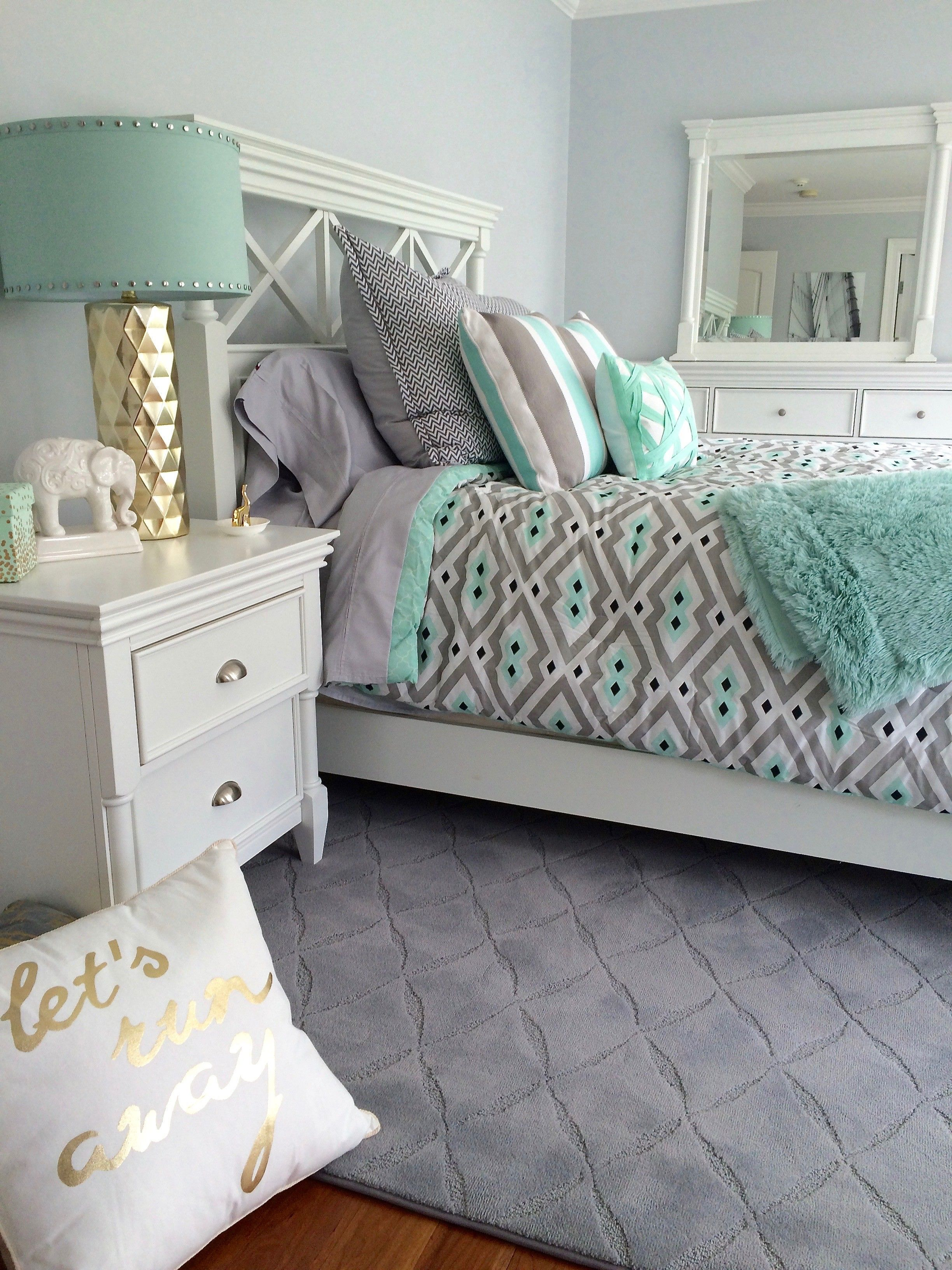Color Ideas For A Teenage Girl S Bedroom