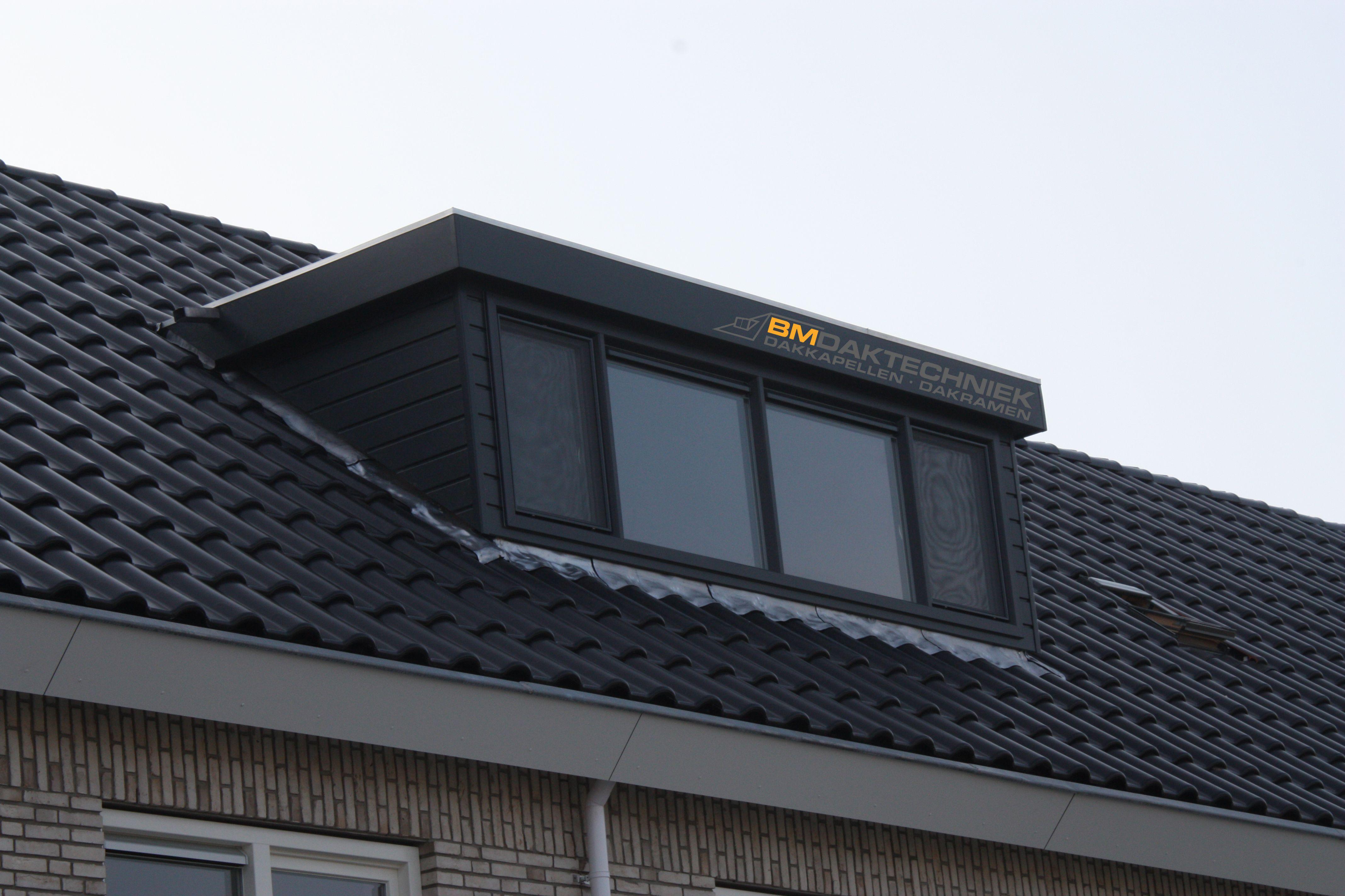 Kunststof dakkapel met Keralit rabatdelen. Volledig in het