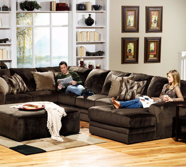 Living Room Furniture Sales: Everest 4377 Sectional Quick Ship