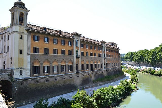 Fatebenefratelli Hospital on Tiber Island