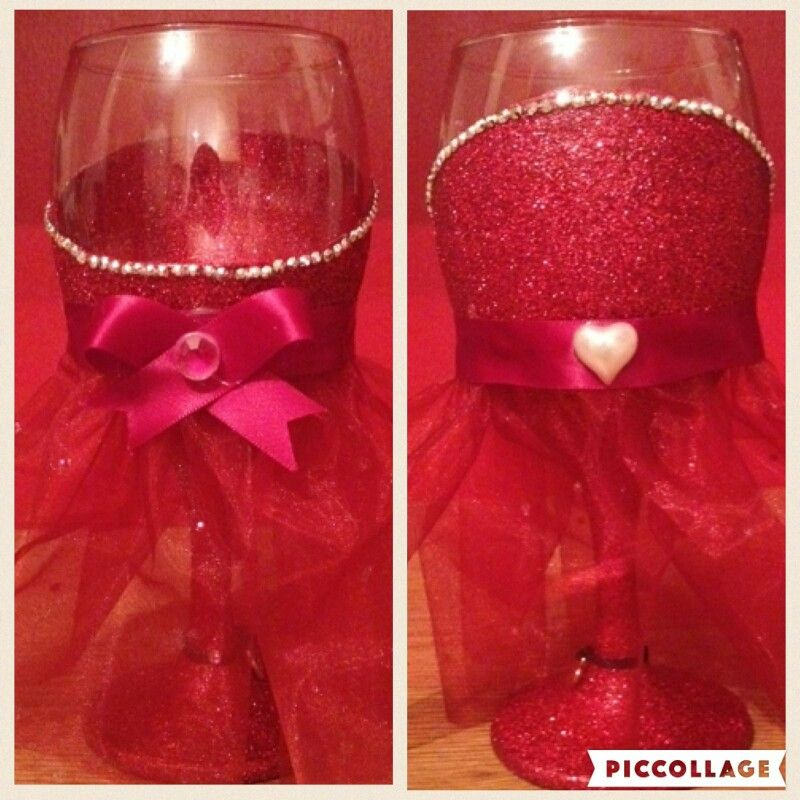 Bridesmaid glass with tuille dress