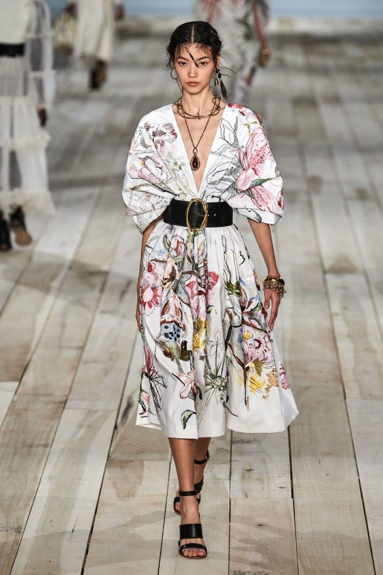 Photo of Alexander McQueen Spring 2020 Collection Review ~ Alley Girl – The Fashion Technology Blog based in New York