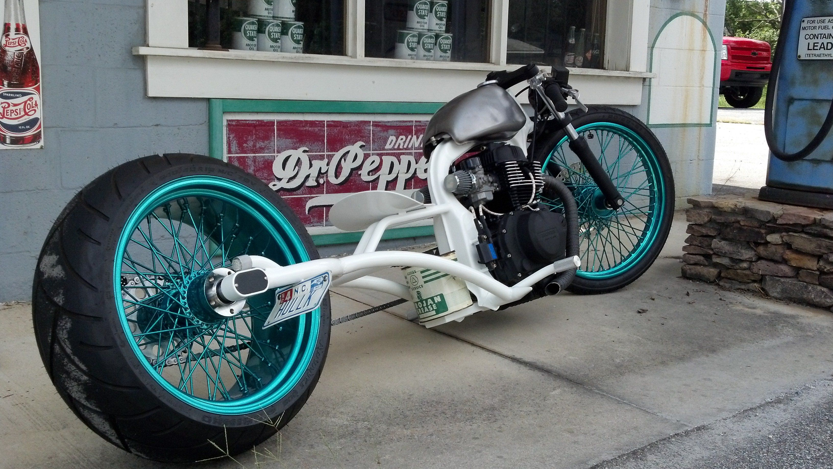 Loose Spokz White Rat Bike Honda Motorcycle Construction
