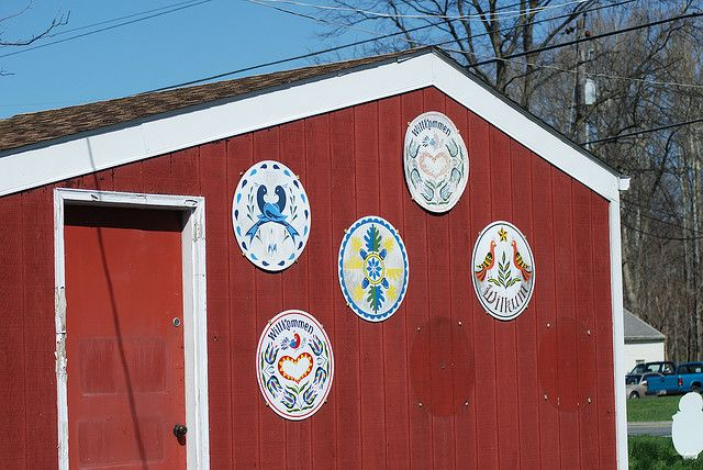 Hex signs from the Amish country
