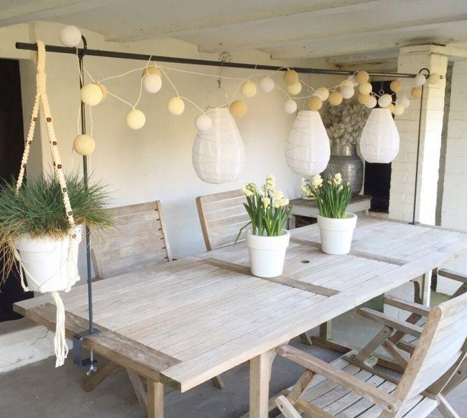 De tafelklem is een product van het eigen label van Deens. Deens is een woonwebshop ...