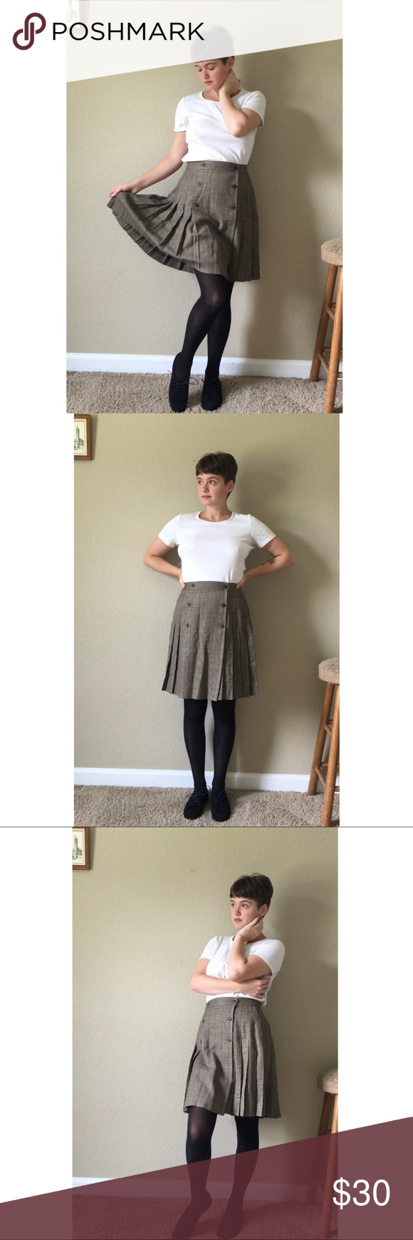 Vintage school girl skirt Vintage pleated mini school girl skirt in excellent condition ❤️ I'm 5'2 for reference and the waist can fit 24 or 25. NOT AA just using for visibility American Apparel Skirts Mini
