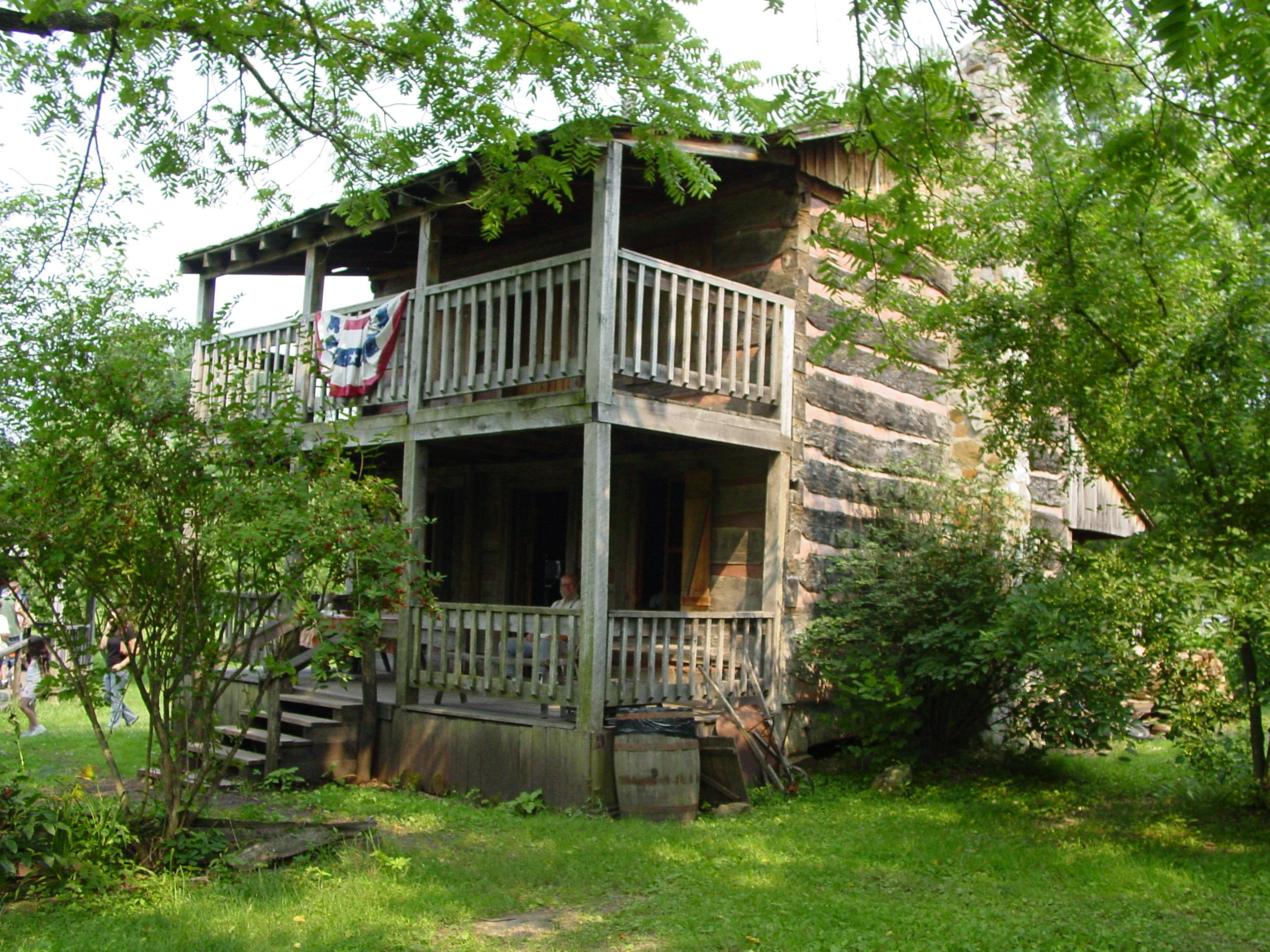 family availability hills hocking cabins cabin ohio rentals hideaway room fox den in check