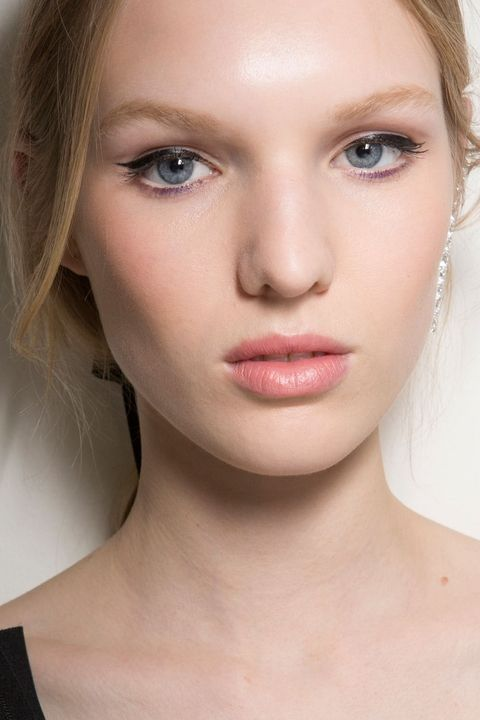 Falls Beauty Trends Are The Opposite Of No Makeup Makeup Electric