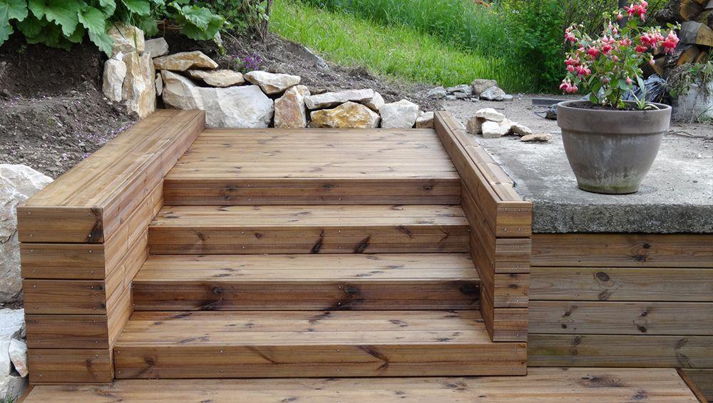 un escalier extérieur en bois : comment faire le bon choix