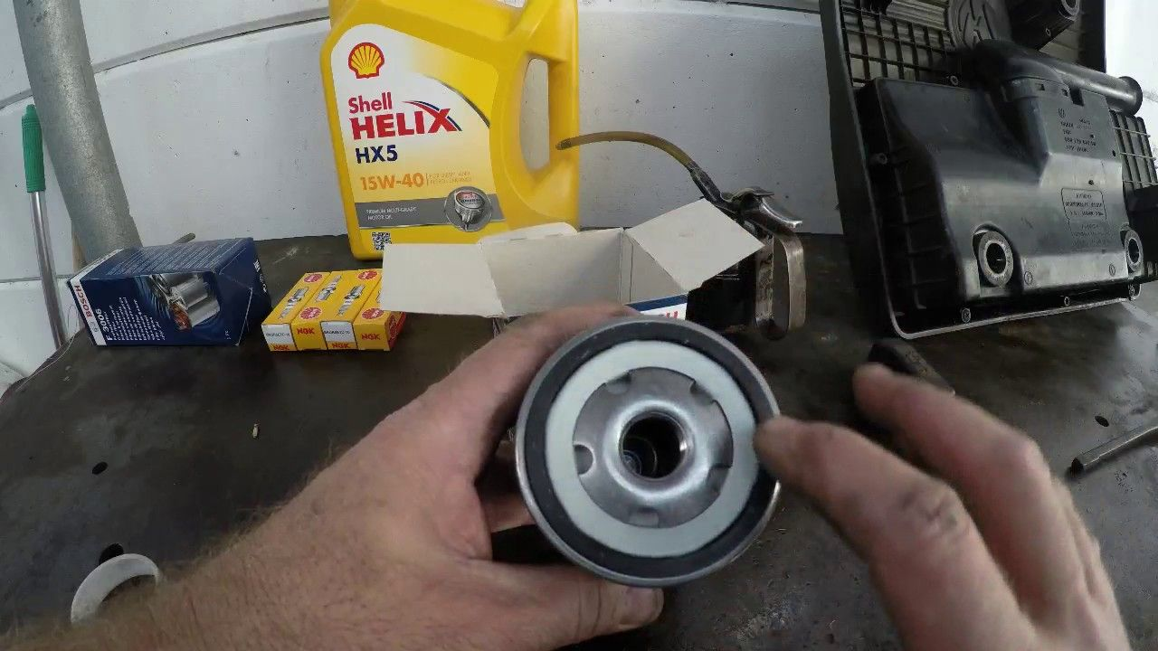 Changing Oil On A Vw Polo 1 6 Classic Vw Polo Repair And Maintenance Classic