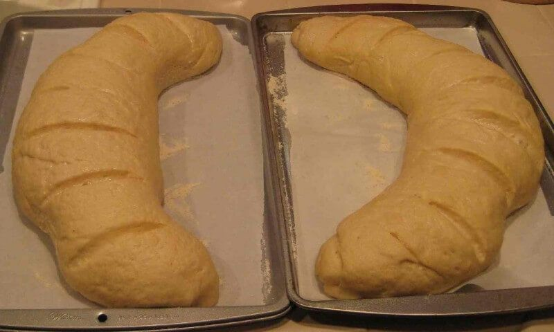 Made with active dry yeast, water, salt, all-purpose flour ...
