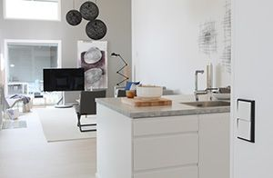 Ensto Intro Vantaan asuntomessuilla Design-Talossa nro 13