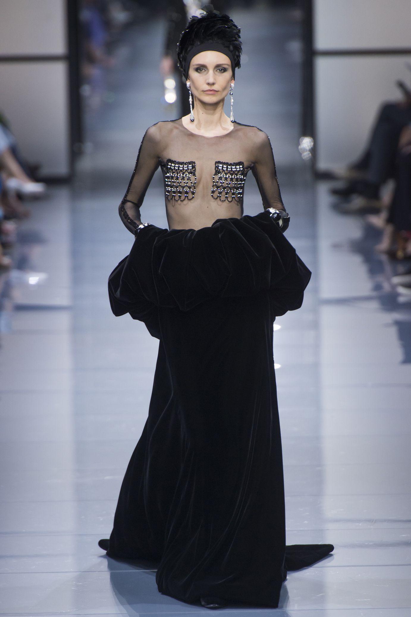 Giorgio Armani Privé: Haute Couture Fall/Winter 2016-2017 ...