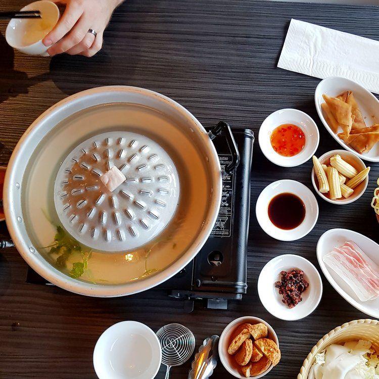 Bbq Restaurant Rotterdam.Mookata Restaurant Rotterdam Nederlands Korean Bbq Chinese Hot Pot