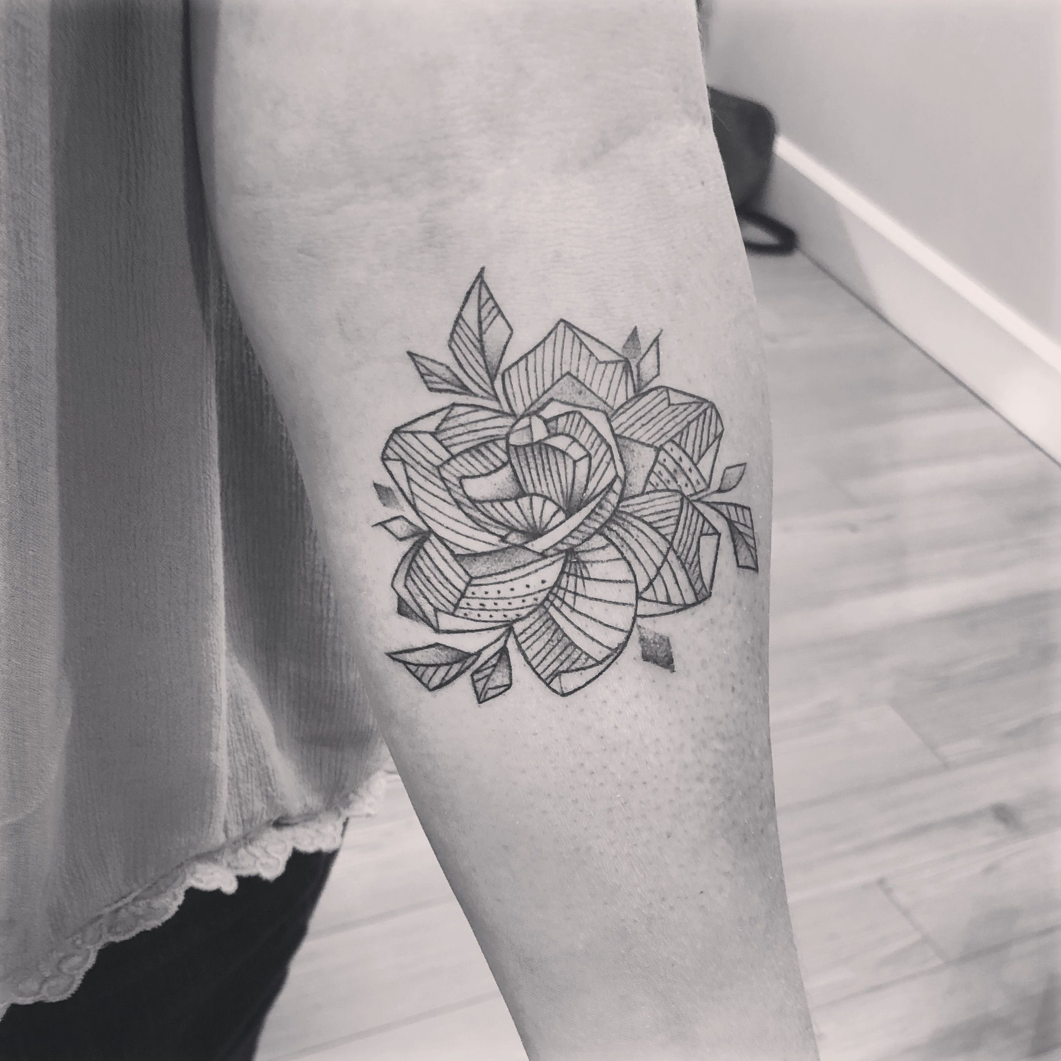 My Gardenia Tattoo Modern Flowertattoos Gardenia Gardenia Tattoo Tattoos Flower Tattoos