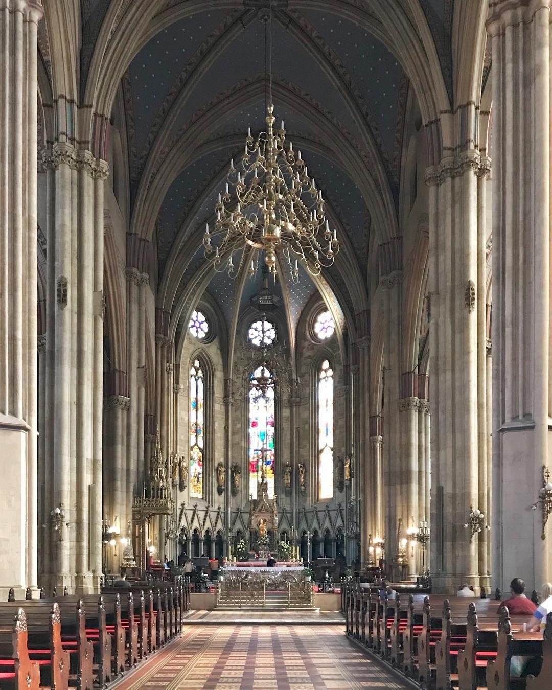 Risultati immagini per cattedrale di zagabria interno?