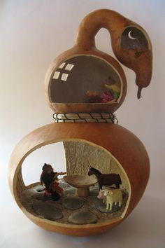 http://www.handsongourds.com/wp-content/uploads/2012/05/Gourd_House.jpg