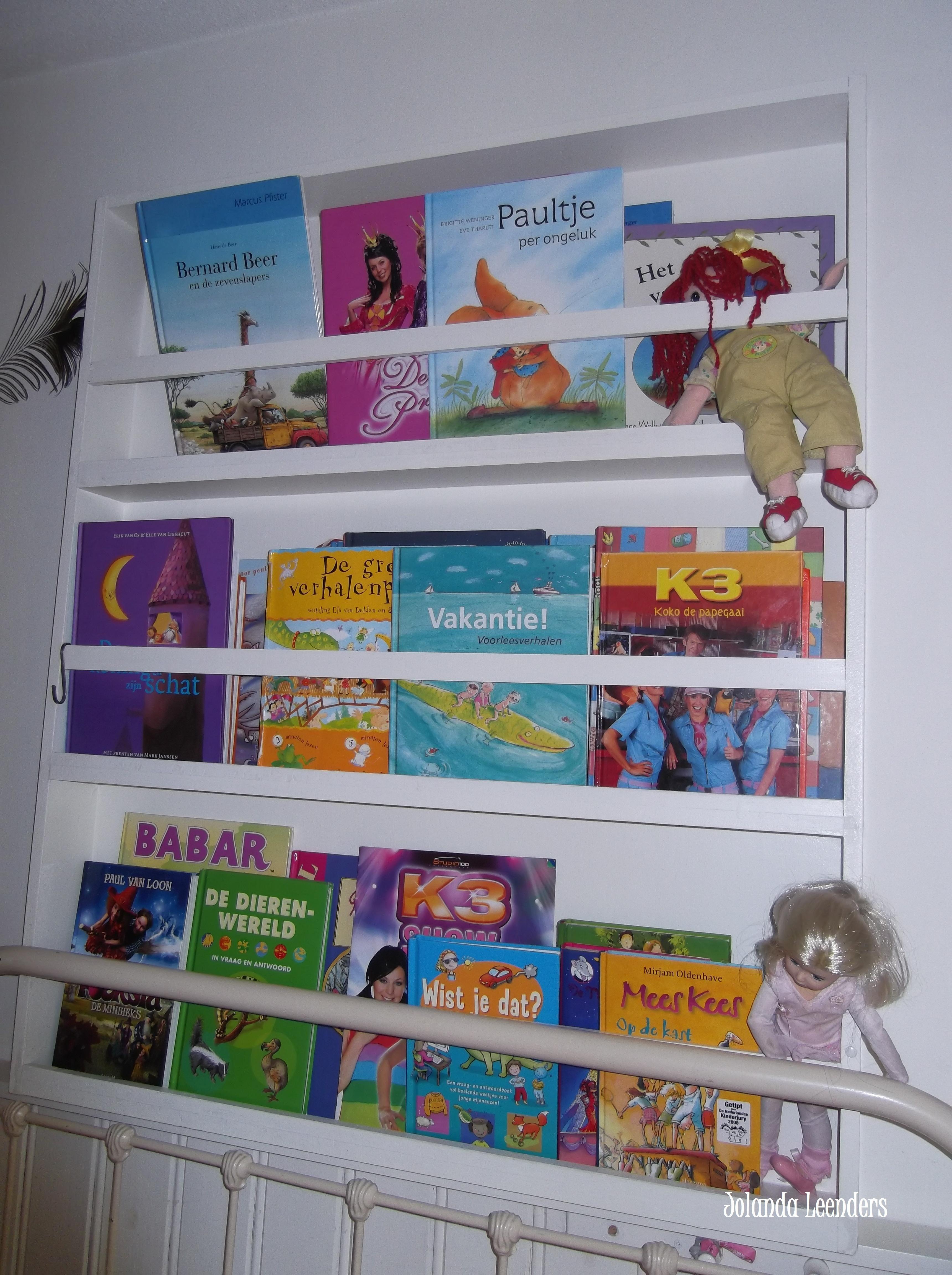 knutsels van jolanda. boekenrek kinderkamer | gemaakt door mij, Deco ideeën