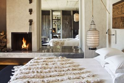 A magical place less than one hour from Lisbon, Areias do Seixo is haven in Nature. The pine trees, the dunes, and the sea whisper their secrets in your ear. Feel the originality, comfort and sophi...