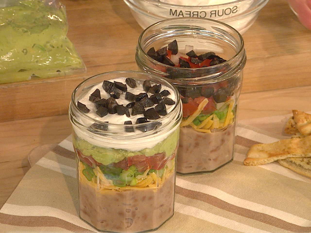 So clever! Make grab 'n go eats in jars, like bean dip, salad, espresso mousse & more, courtesy of @Martha Stewart