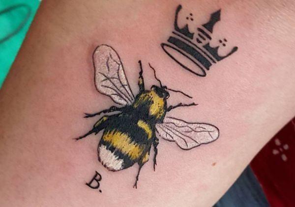 Pin By Kristen Lukens On Tattoos In 2020 Queen Bee Tattoo Bee Tattoo Bee Tattoo Meaning