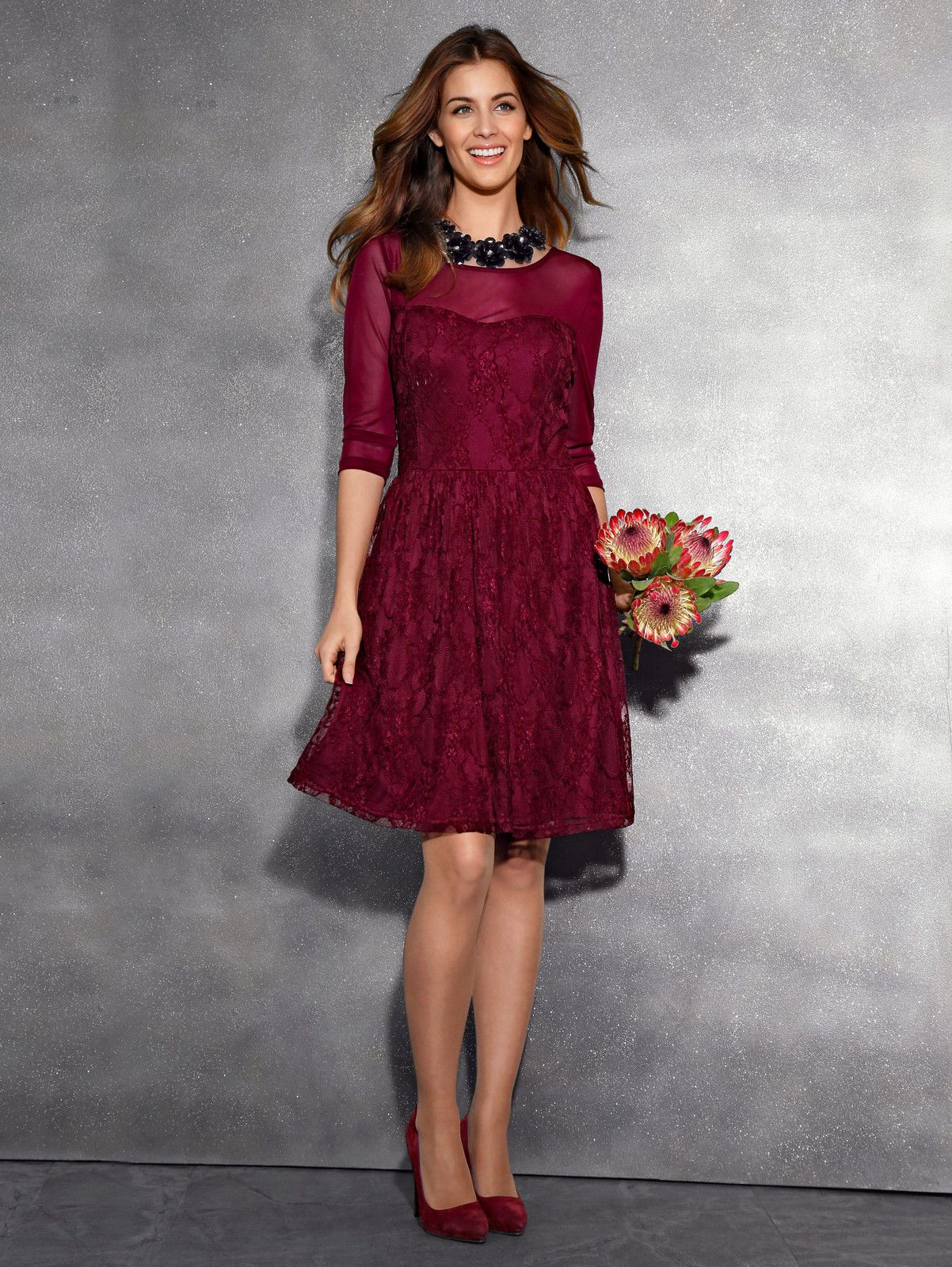 Laura Kent RundhalsFloralFeminin Kleid aus Spitze Neu in Kleidung