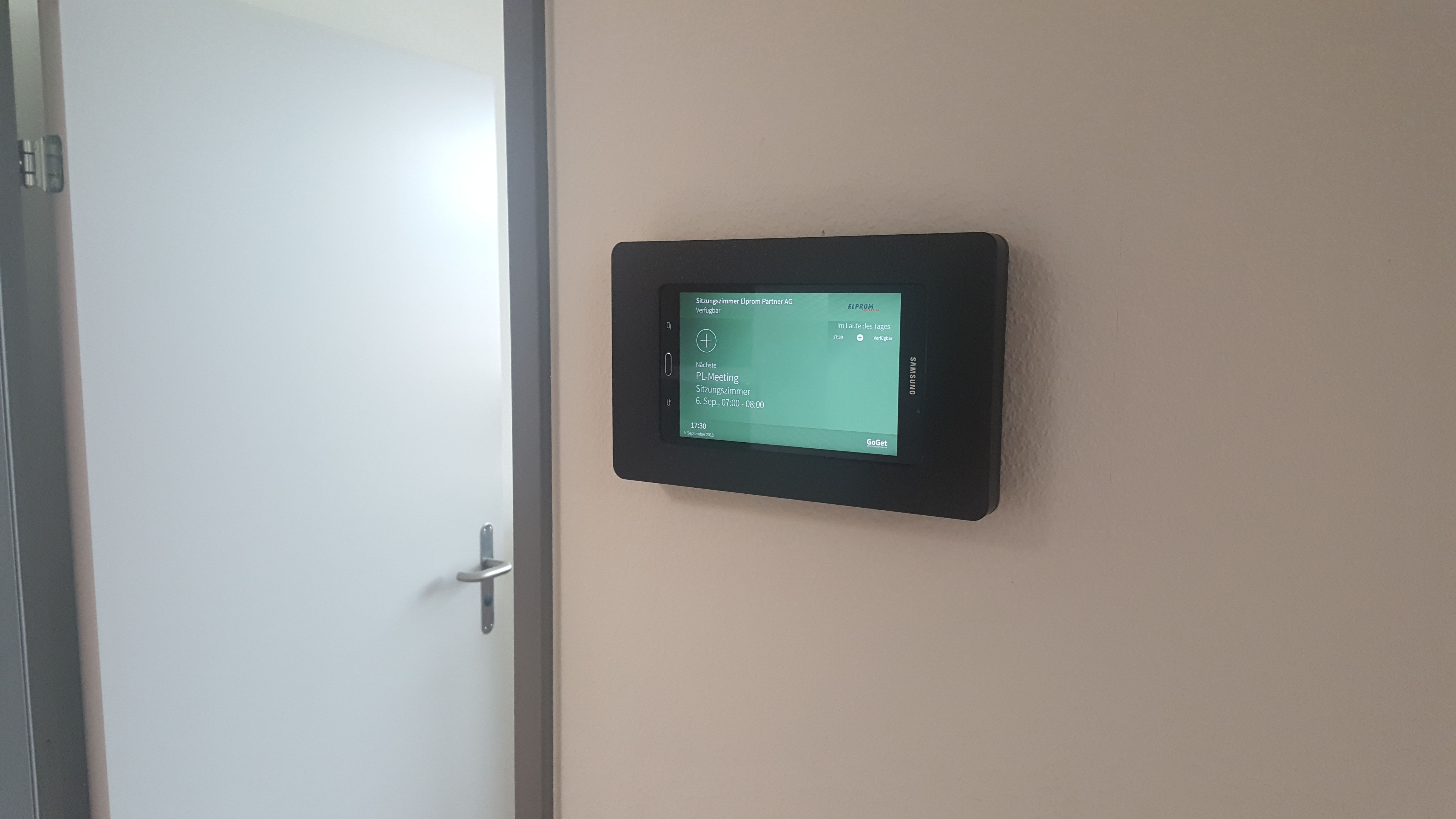 Want To Use Your Android Tablet As A Conference Room Scheduler But Want It To Be Stylish As Well Try Our Vidamounts Our Tablet Wall Mount Wall Wall Mount
