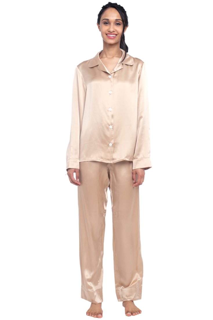 750a70fbee This  classic  women s two-piece  pajama  set is a time