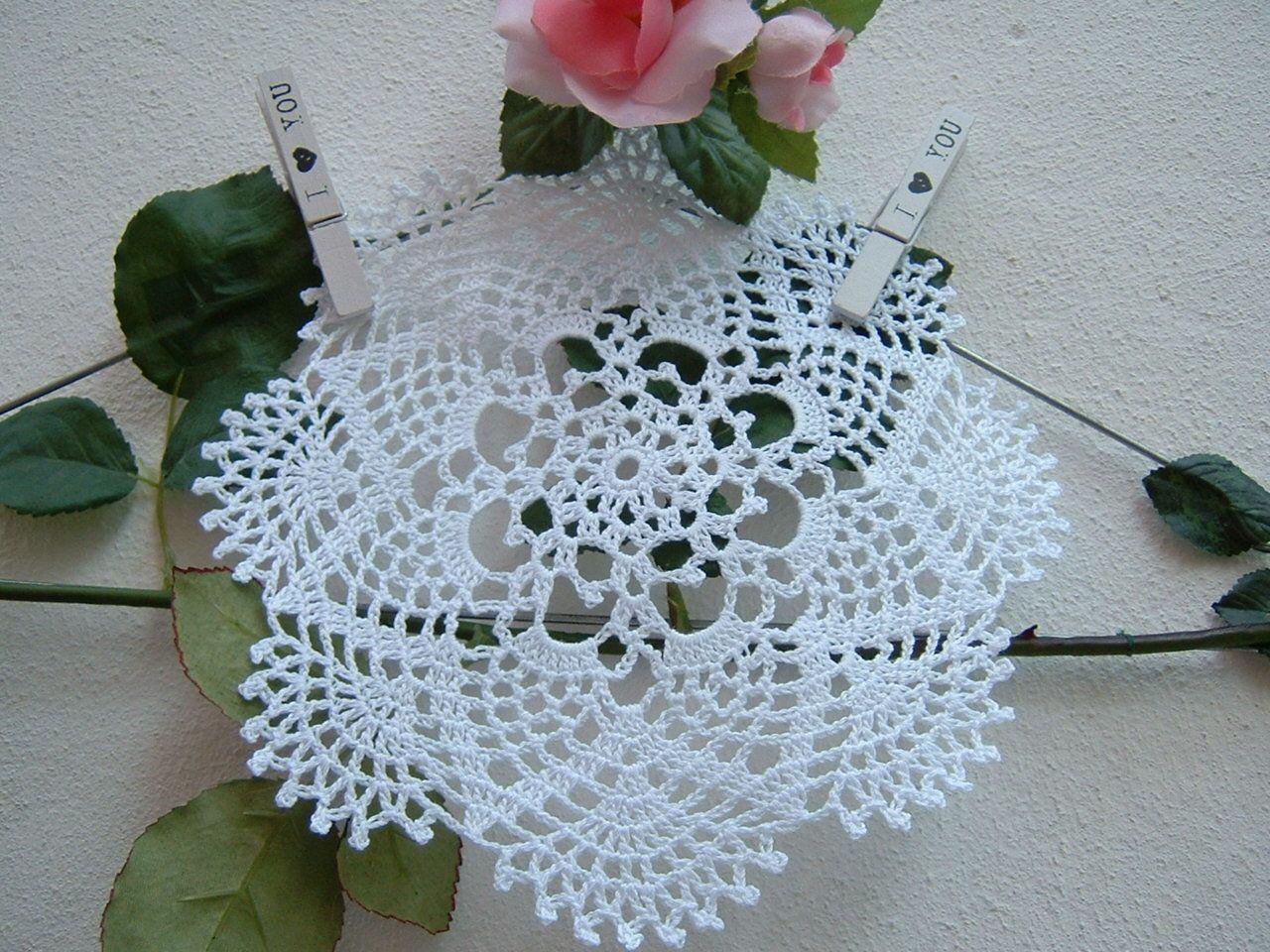 Centrino Per Bomboniera All Uncinetto Ricordo Per Invitati Centro Porta Confetti In Cotone Bianco Regalo Per Matrimonio Crochet Stars Crochet Lace Accessories