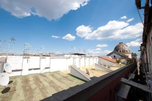 Tribunali E - BH 45 Napoli Tribunali E - BH 45 offers accommodation in Naples. The apartment is 400 metres from San Gregorio Armeno. Free WiFi is provided throughout the property.  Towels and bed linen are offered in this apartment.  Capodimonte Astronomical Observatory is 1.
