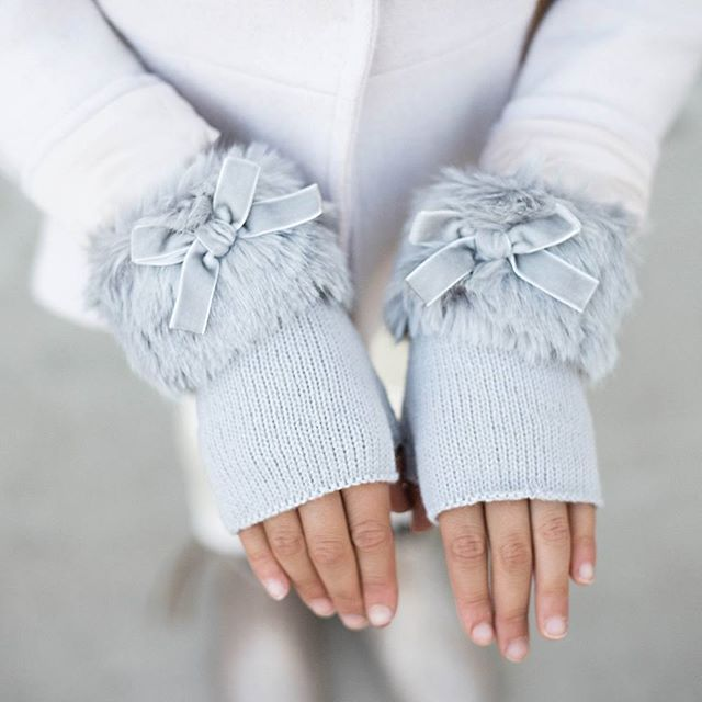 "@joyfolie's photo: ""// Perfect mittens for those chilly nights. //"""