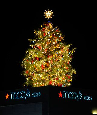 Macy S Great Tree Aka Rich S Great Tree Atlanta Is Just One Of The Tallest Christmas Trees In America Tall Christmas Trees Christmas Photograph Christmas