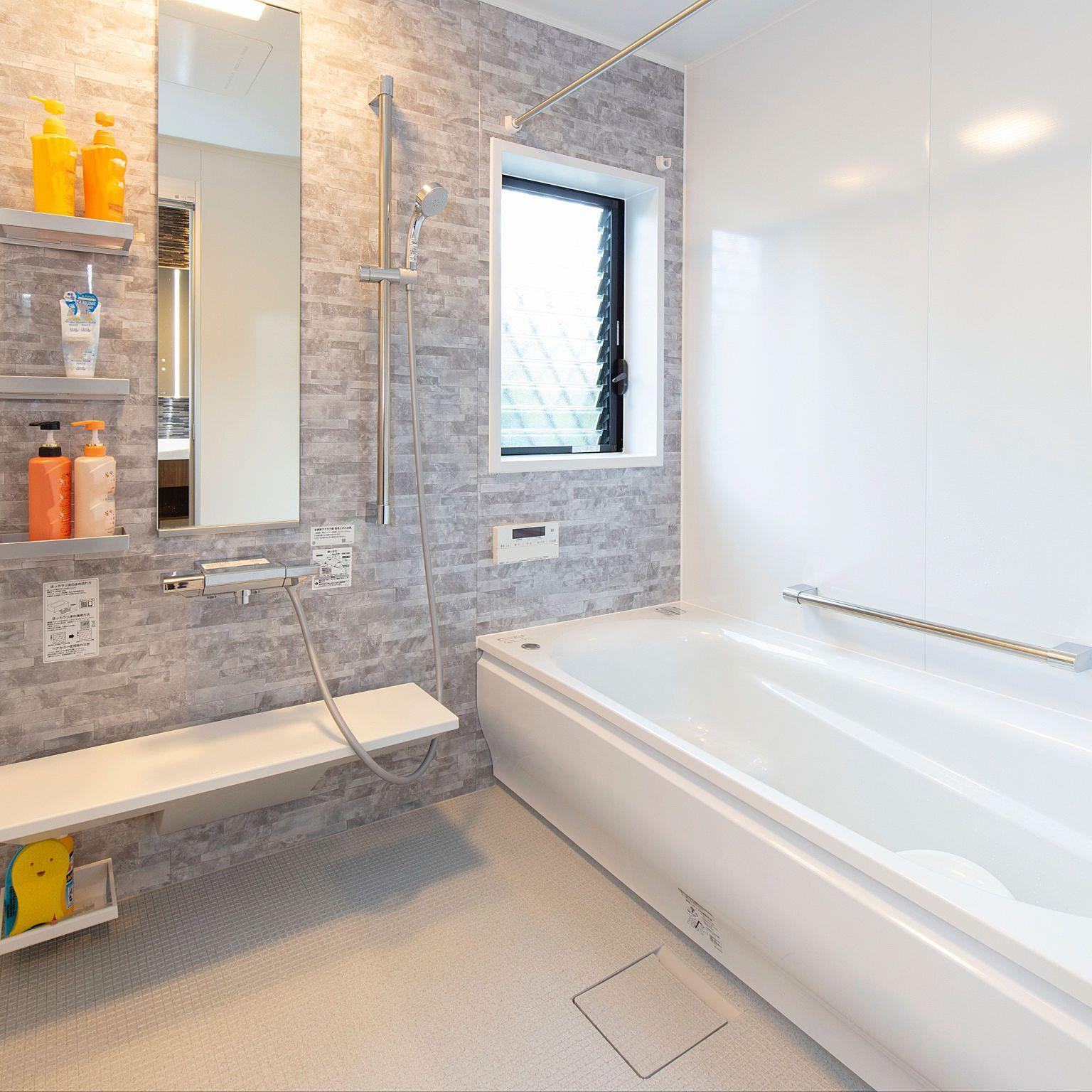 Lixil浴室折戸の交換 旧トステム中折ドアme型 小山市it様邸 お風呂 リフォーム ドアリフォーム 折戸