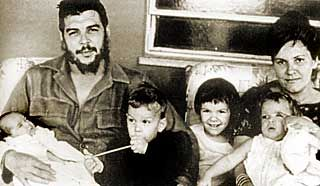 Che Guervara With His Wife Hilda Gadea And Children People