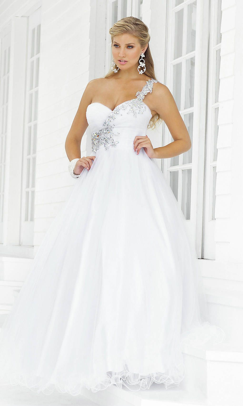 17 Best images about White Prom Dresses on Pinterest | Embellished ...