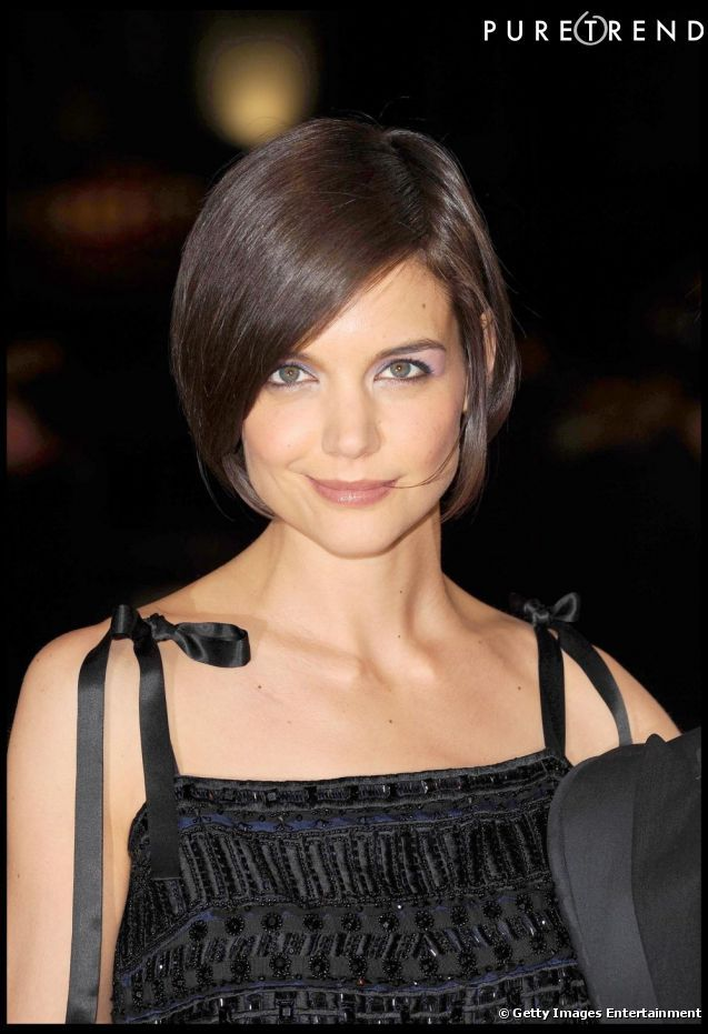 photos katie holmes a dit adieu ses looks d 39 ado avec cette coupe de cheveux carr courte et. Black Bedroom Furniture Sets. Home Design Ideas
