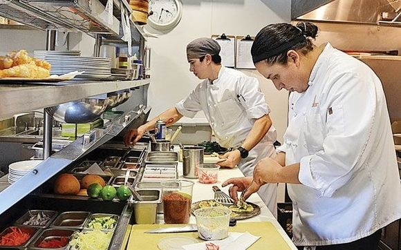 NOW HIRING! Line Cook/Prep Cook Health Food Restaurant - Muscle