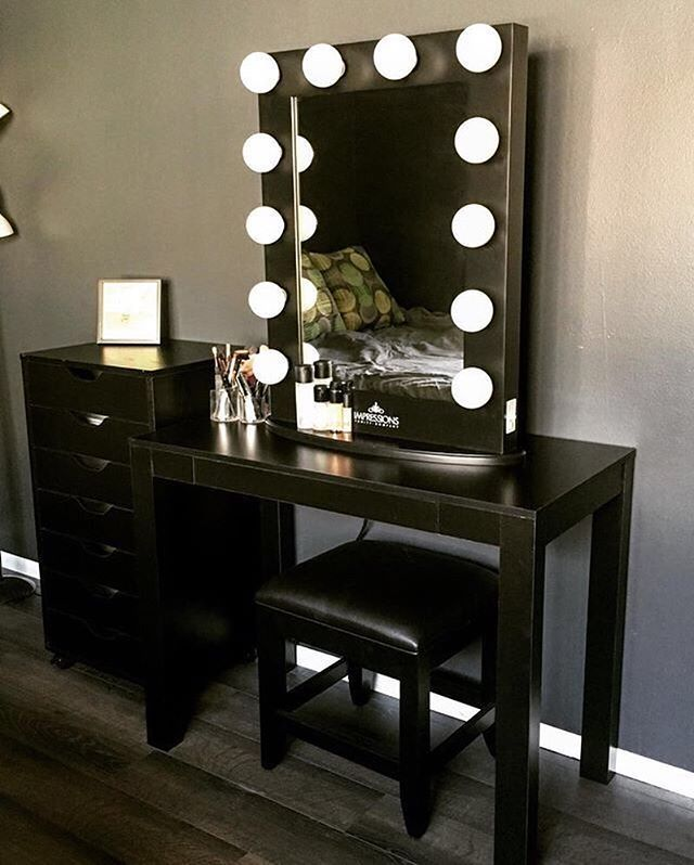 So Few People Use Black For Their Vanity Set Ups But I Think It