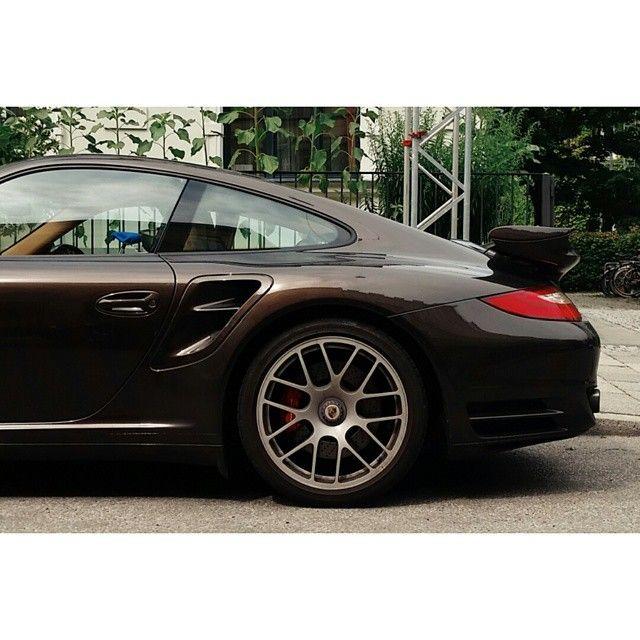#porsche #911 #911turbo #turbo #munich #munchen #germany #carspotting #cars #sportscars #vsco #vh_crop #vsco_hub #vscocam #brown #exoticcars