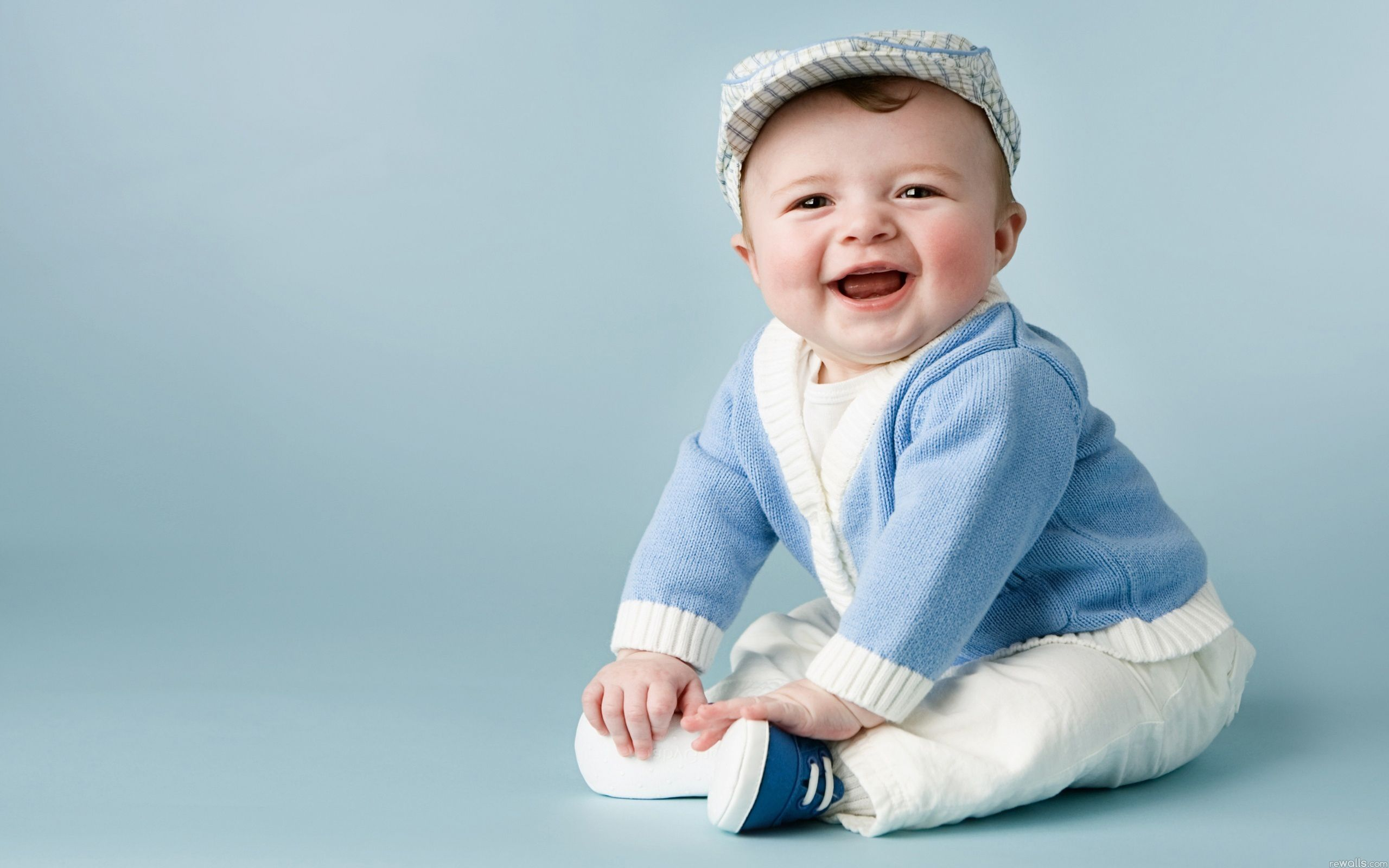 Smiling Baby Wallpapers Hd Wallpapers Laptop Wallpapers Cute Baby Boy Pictures Cute Baby Wallpaper Cute Baby Boy Images