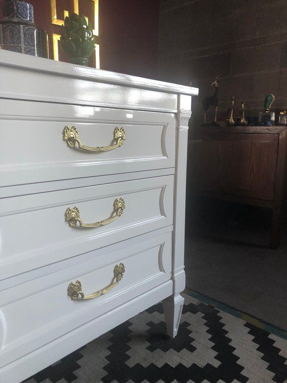 Best Thomasvilletraditional Dresser Lacquered In Glossy White 400 x 300