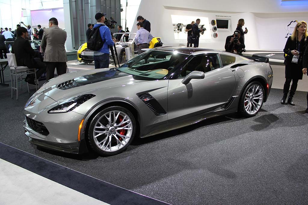 2015 Corvette Colors >> Corvette To Feature Two New Colors For 2015 I See