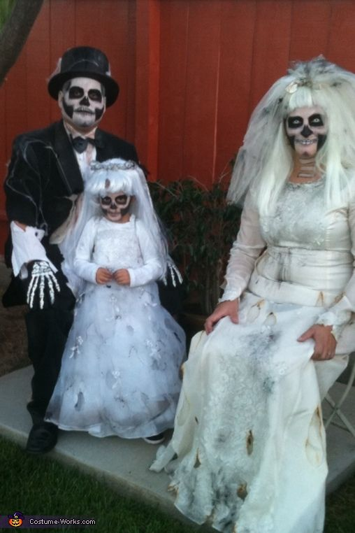 dead bride groom and flower girl family halloween costume ideas
