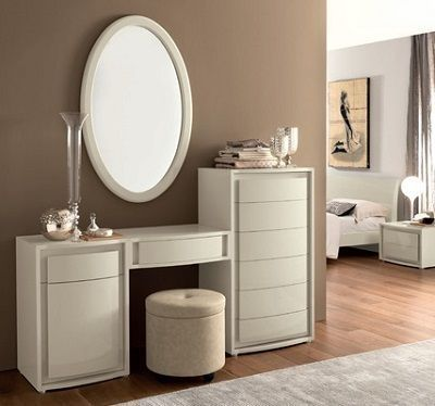 Awesome 51 Dressing Table With Large Mirror That You Can Place In The Bedroom Http Dressing Table Design Modern Dressing Table Designs Dressing Table Modern
