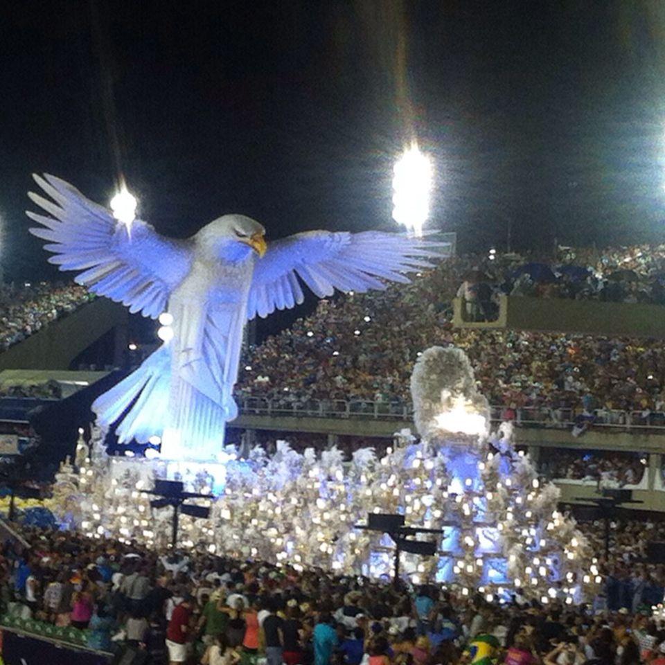 Carnaval, Rio #RioCarnaval #Brazil #RioCarnival2015 #visitodo #travel #backpacker #onceinalifetime #bucketlist www.visitodo.com