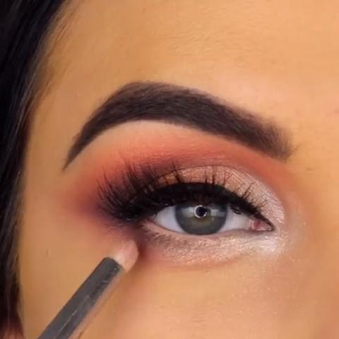 To Eye Makeup Eye Makeup Name List Eye Makeup 2018 Trends Is Eye Makeup Remover Bad For Your Eyes Eye Makeup Cha In 2020 Eye Makeup Makeup Videos Eyeshadow Makeup