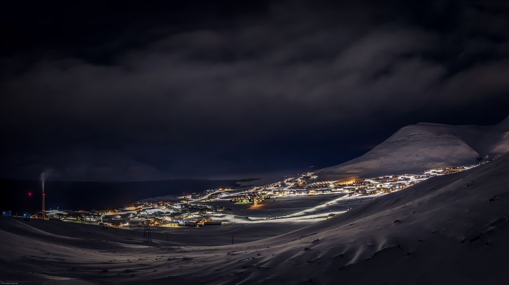 Longyearbyen city lights by Steven-ch