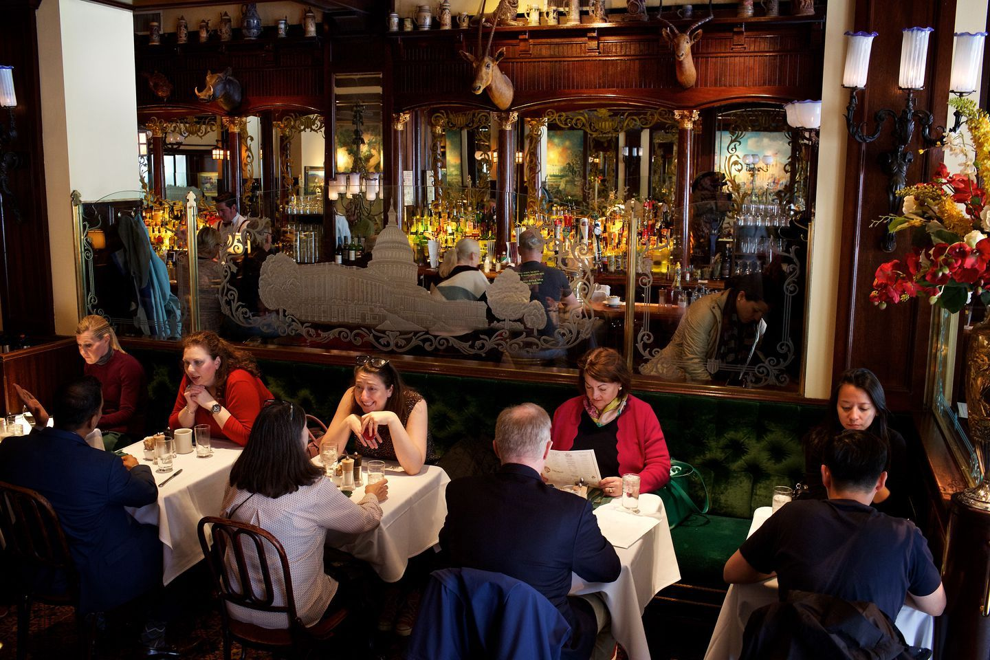 These 12 Restaurants Are Perfect Places To Take Your Picky Parents Perfect Place Restaurant Be Perfect
