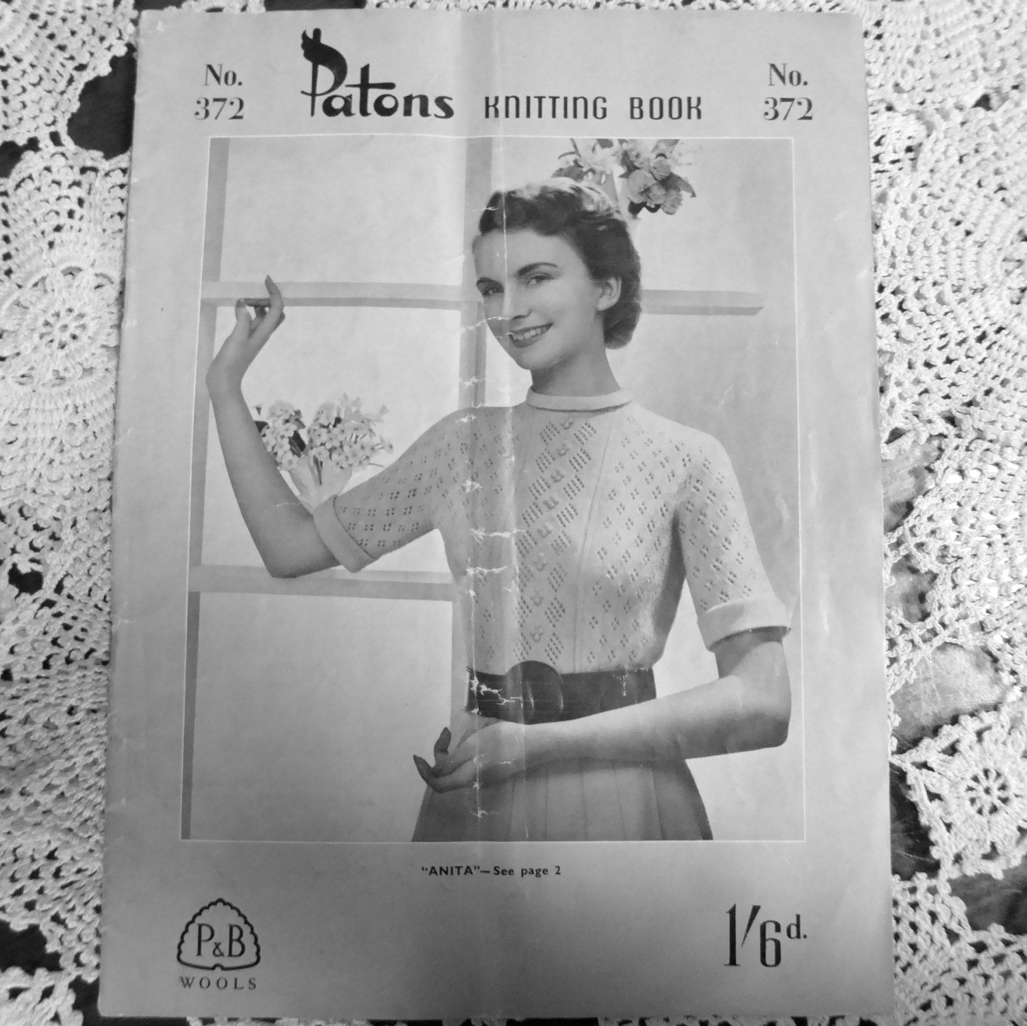 Vintage 1940's 50's Knitting Pattern - Patons Knitting Book